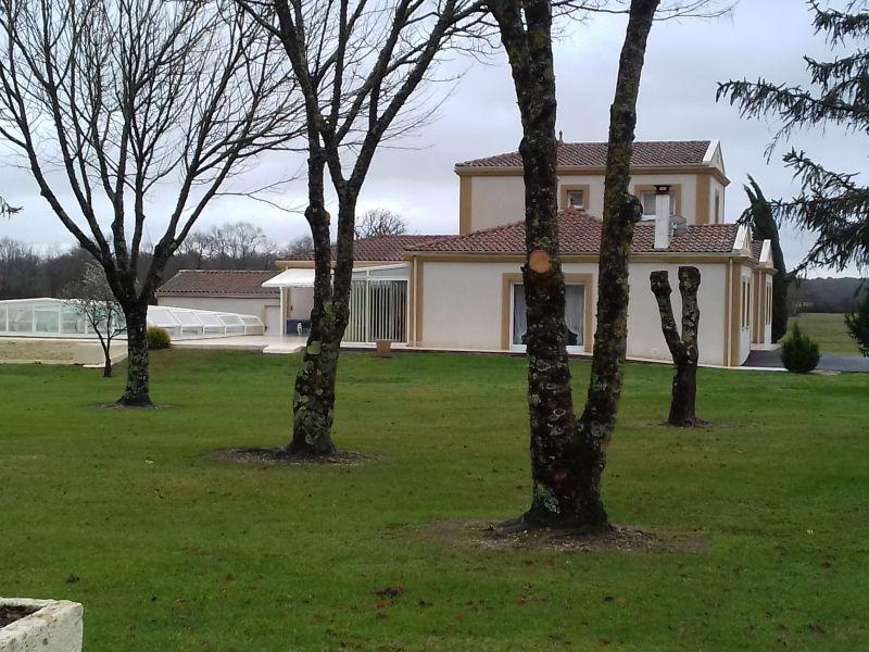 Belle propriété viticole remarquablement tenue en AOC Médoc