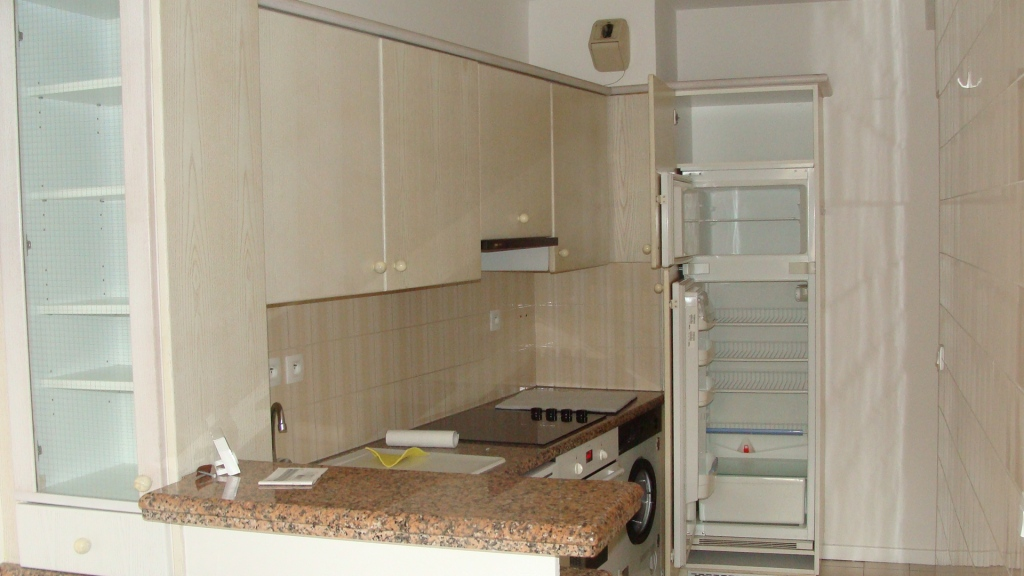 a vendre biarritz quartier saint charles ref ip pb 252. Black Bedroom Furniture Sets. Home Design Ideas
