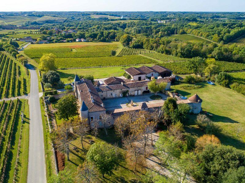 Beaucoup de charme, grand domaine en Premières Côtes de Bordeaux