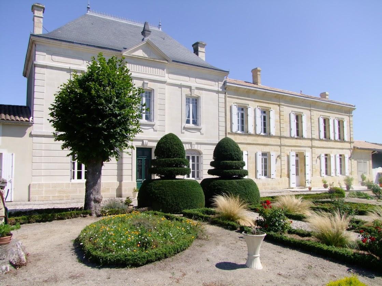 Domaine familial 25 ha AOC Blaye - Côtes de Bordeaux