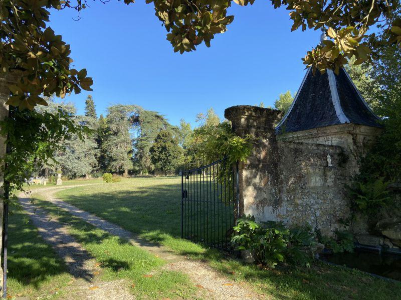 Ravissant château 18eme, parc, vignes, proche de Langon