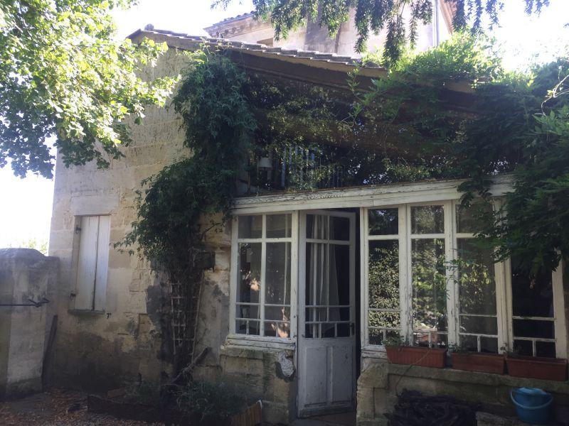 AOC Saint-Émilion, 3 hectares avec maison dans un village