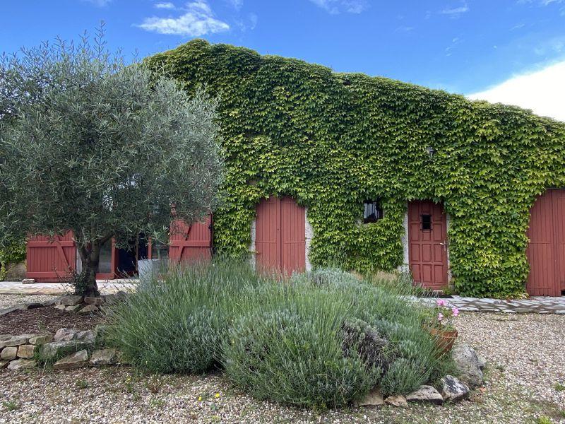 Sud Médoc, jolie maison de famille avec 4 hectares de vignes