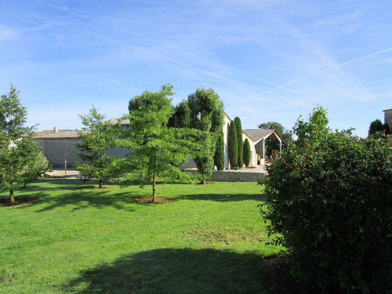 Propriété d'une trentaine d'hectares de vignes, en Entre-Deux-Mers