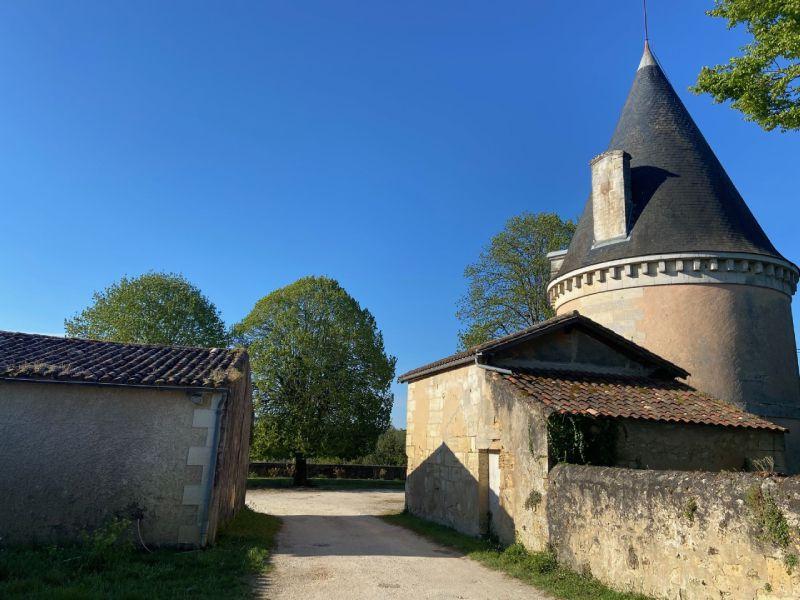 10 hectares en bio, ravissant château à rénover