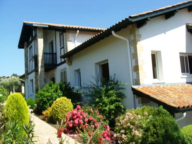 Ustaritz jatxou maison familiale for Agence immobiliere ustaritz