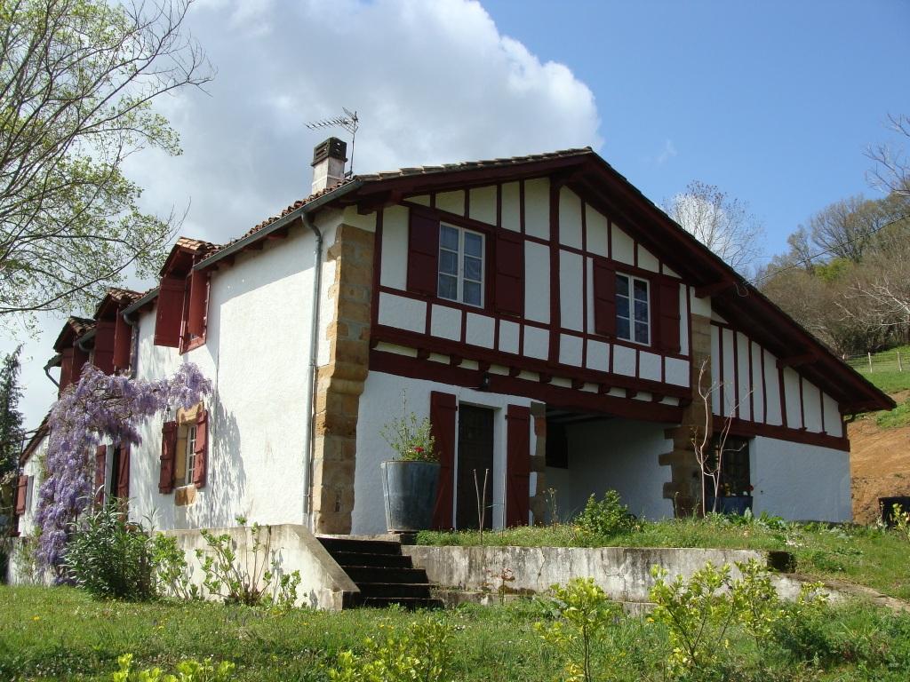 a vendre ferme basque du xvii ref ip pb 3 pays basque immobilier luxe prestige maison villa. Black Bedroom Furniture Sets. Home Design Ideas