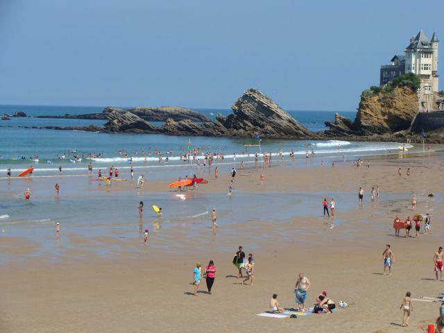 Biarritz Côte des Basques face à l'océan