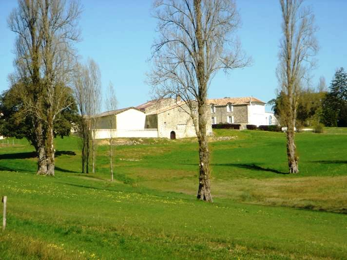 Château 18e siècle - AOC Côtes de Castillon