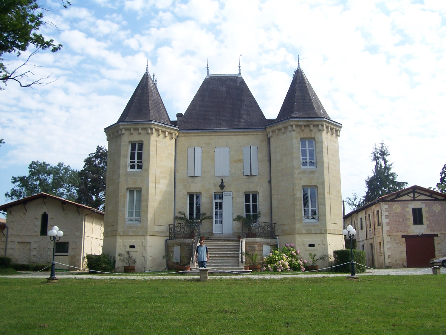 chateau de vin a vendre bordeaux liste domaine viticole vendre bordeaux achat vente propri t. Black Bedroom Furniture Sets. Home Design Ideas