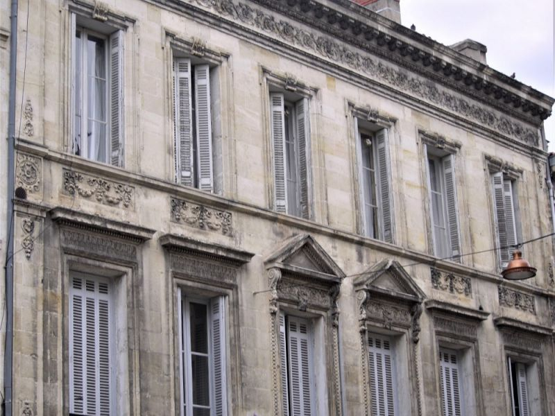 Immeuble Bordeaux centre proche Jardin Public